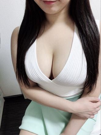 鈴村 ひびき